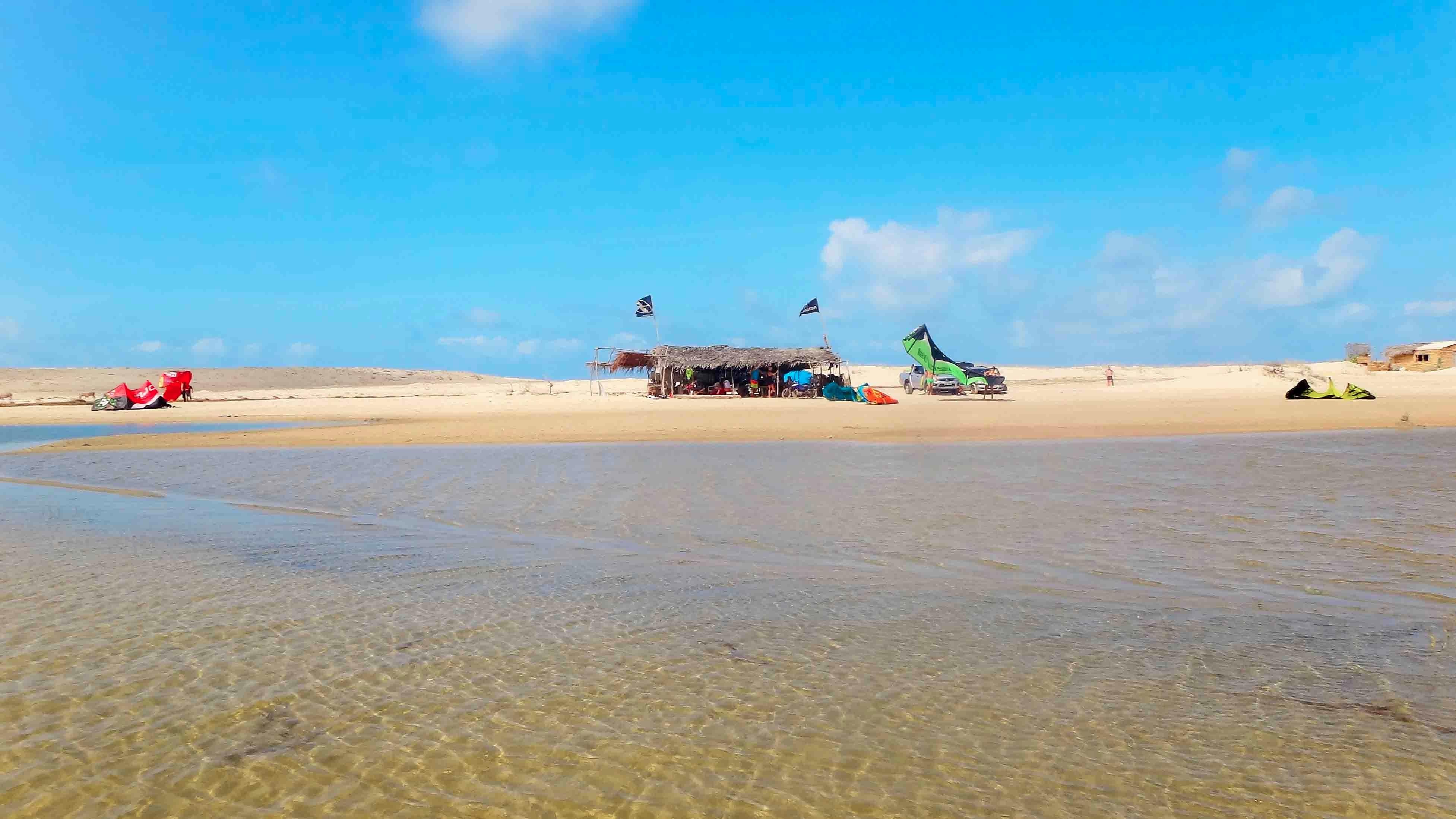 Lagune kites colorés bd